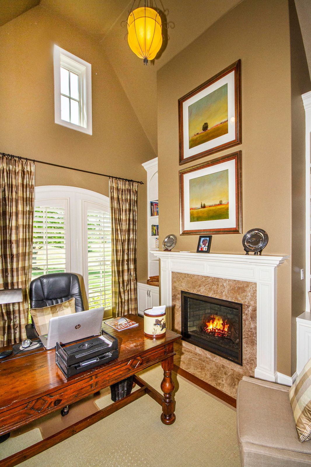 2-Story Office with Fireplace!