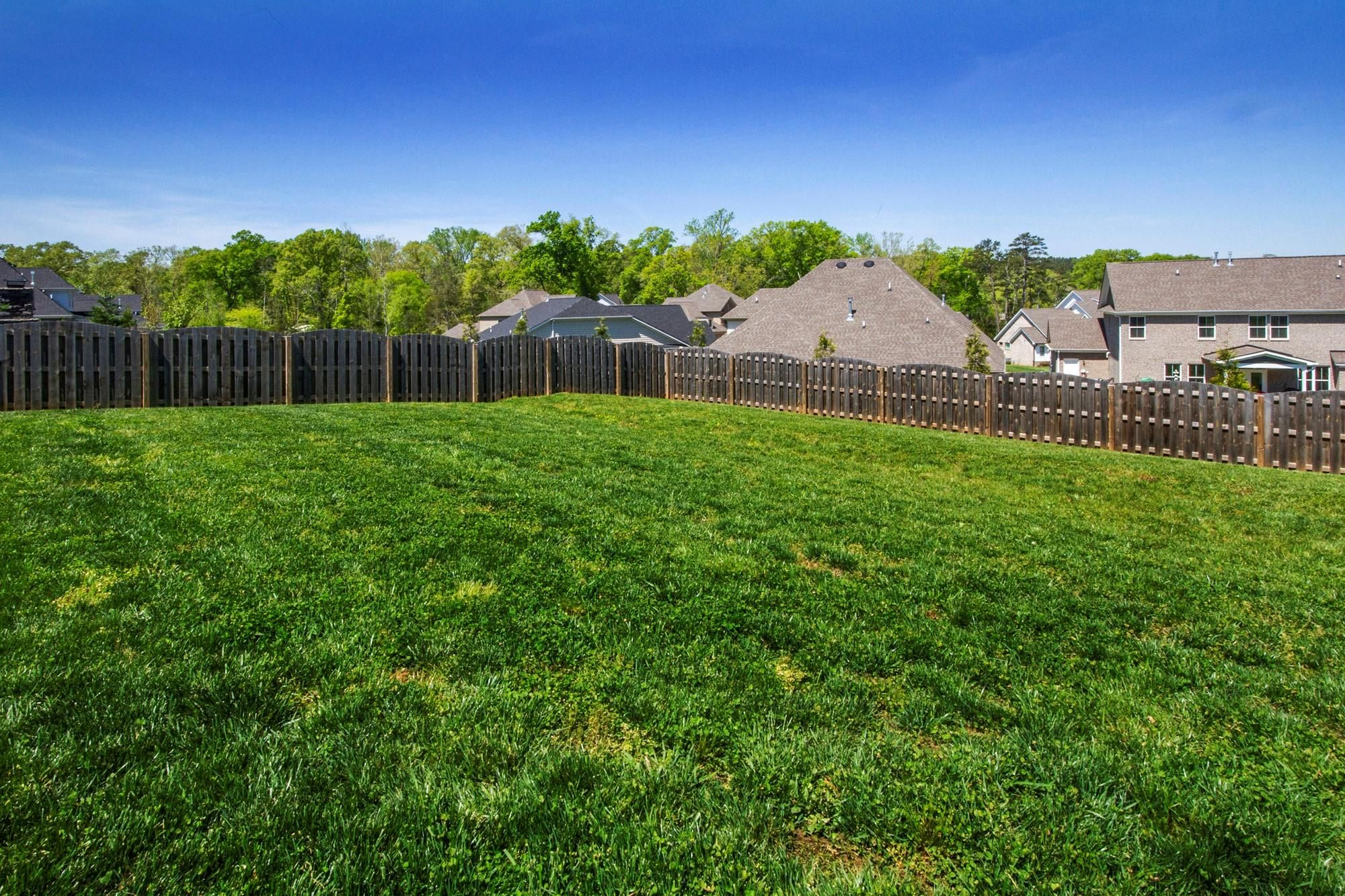Large fenced rear lot