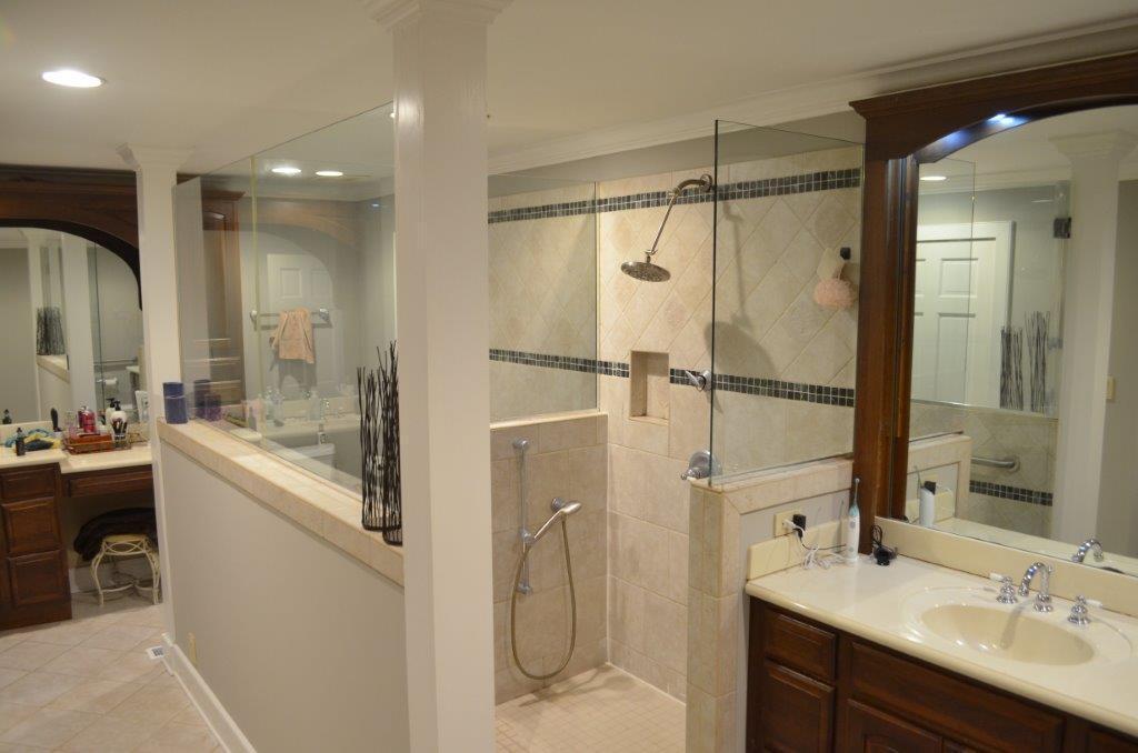 Large 5 piece Master Bathroom
