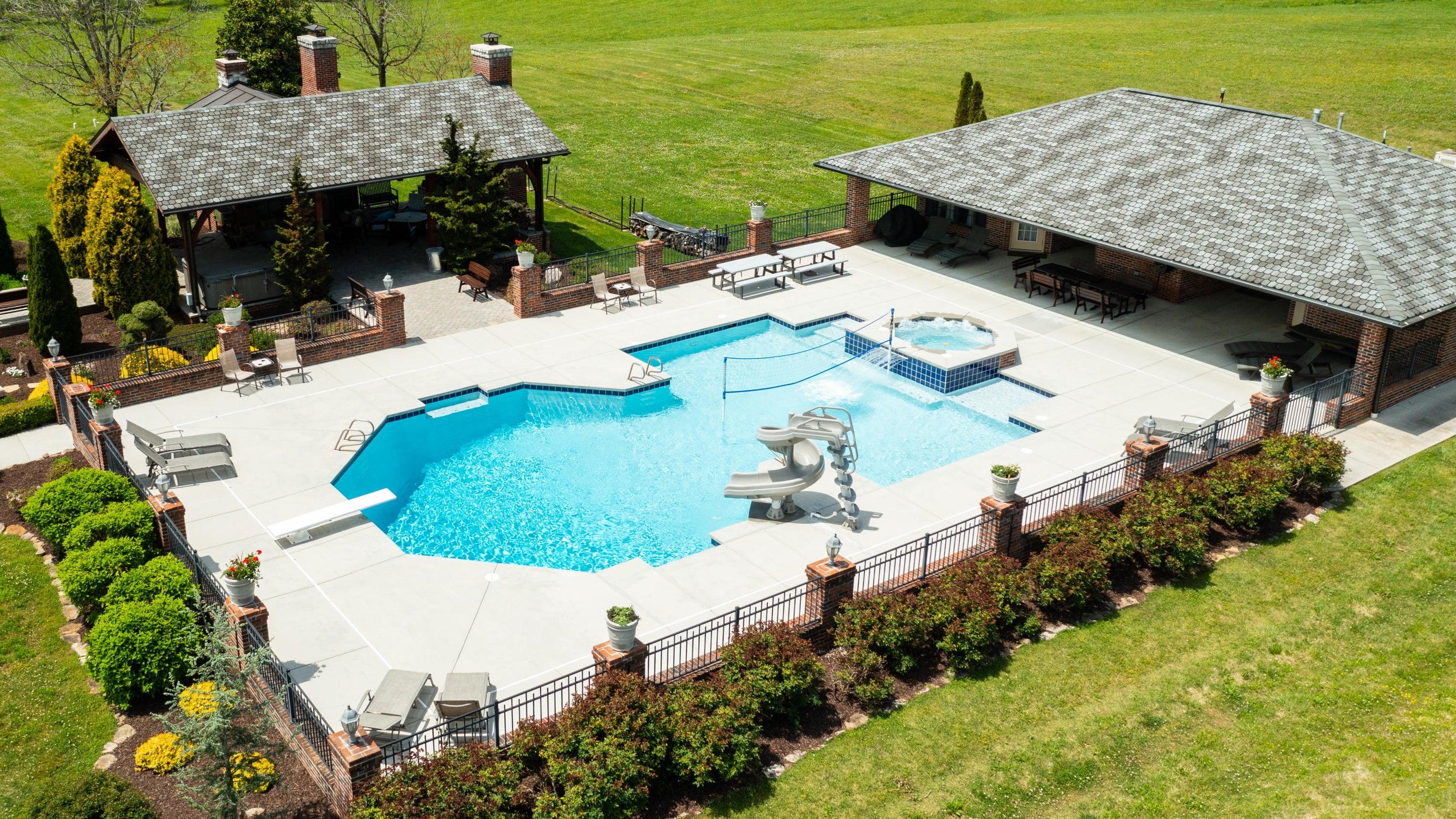 pool area views