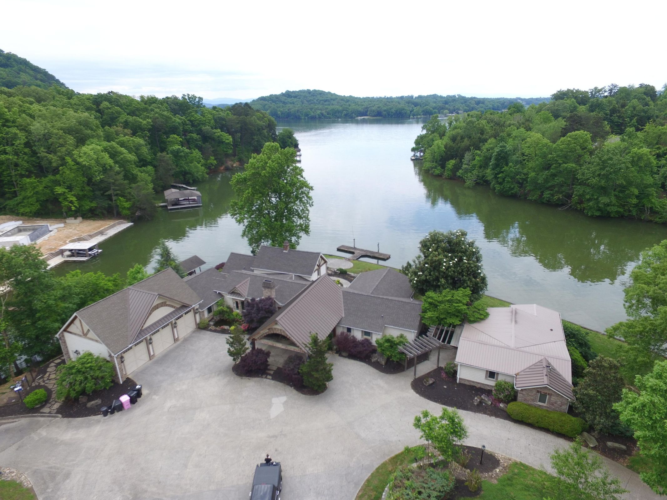 2030 Wilkerson lake front beauty