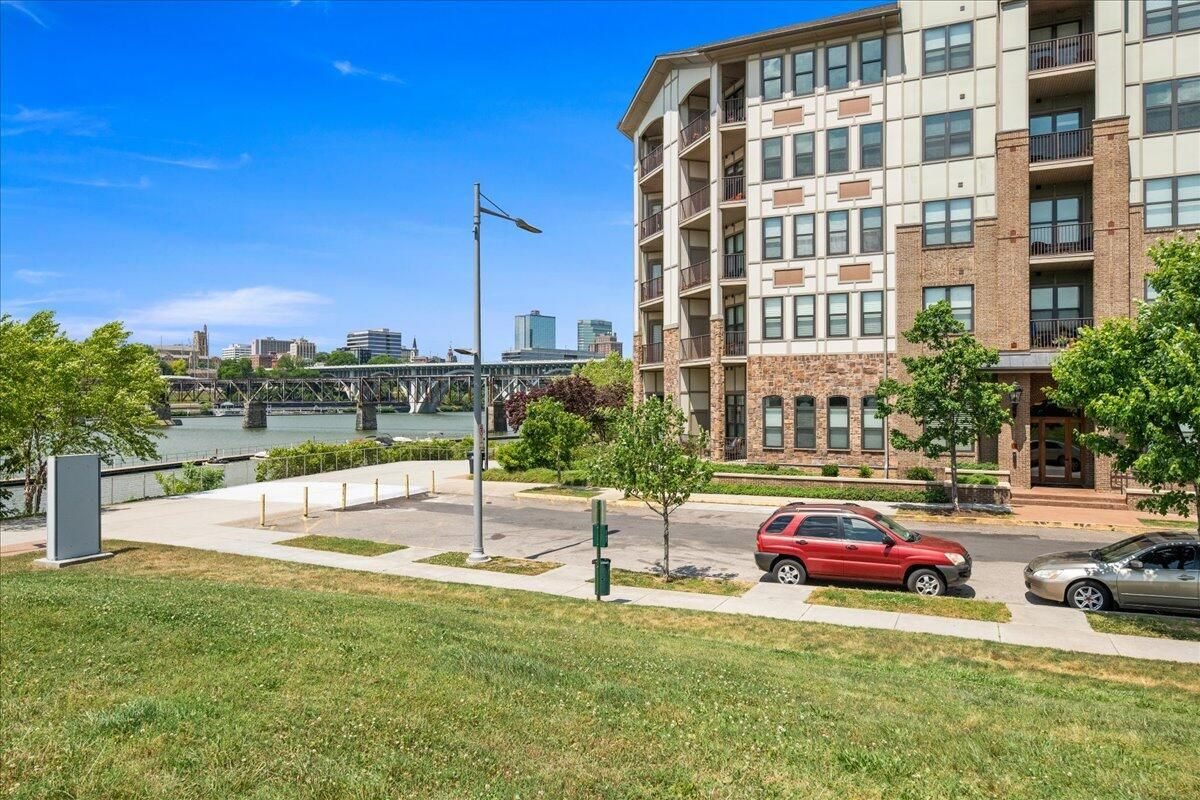 02-445-W-Blount-Ave-Knoxville-TN-Unit-21