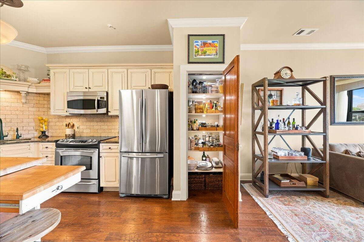 08-445-W-Blount-Ave-Knoxville-TN-Unit-21