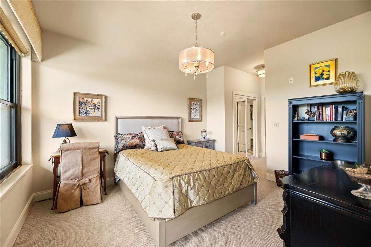 22-445-W-Blount-Ave-Knoxville-TN-Unit-21