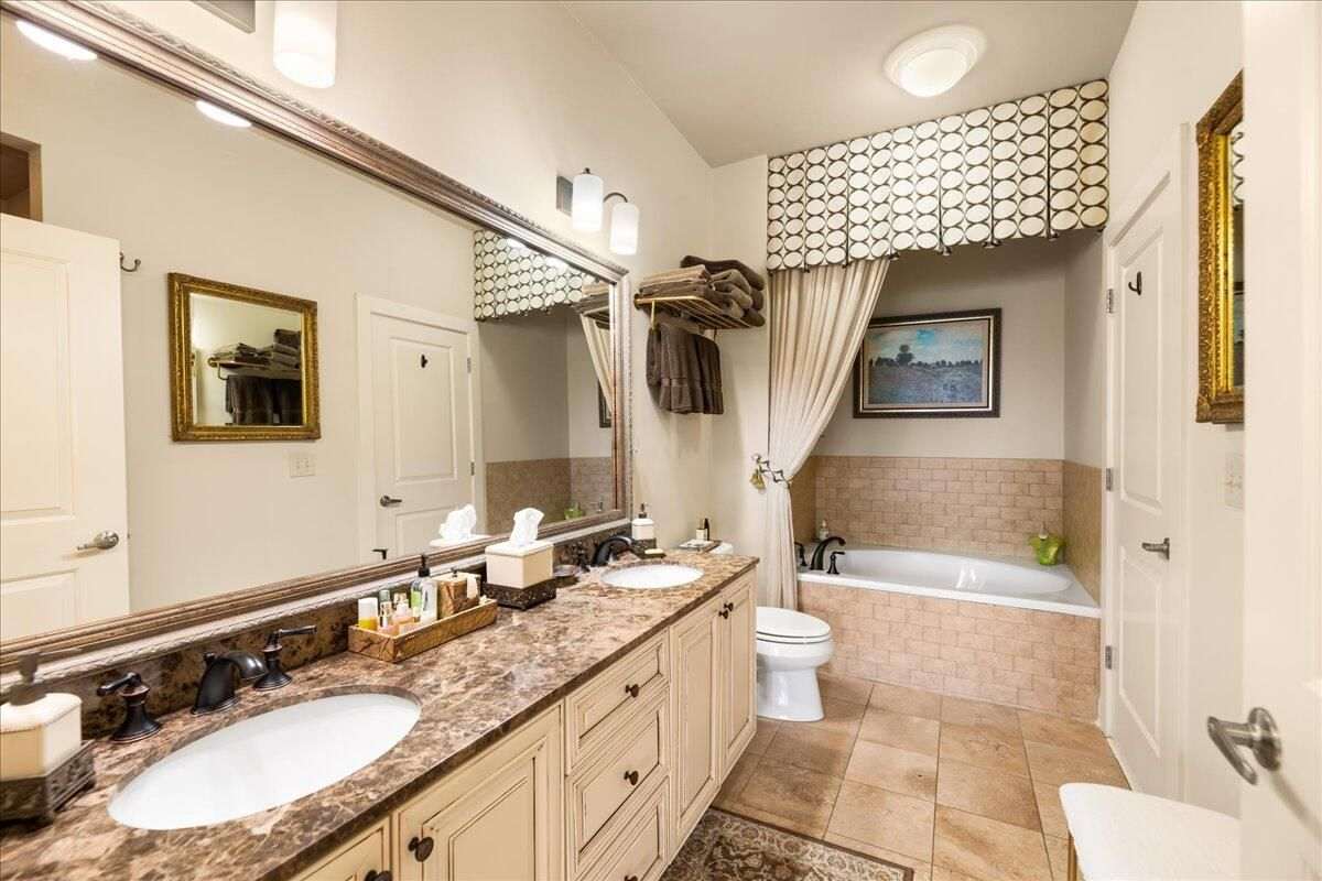 26-445-W-Blount-Ave-Knoxville-TN-Unit-21