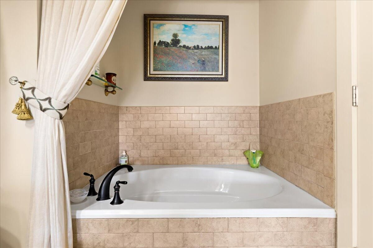 27-445-W-Blount-Ave-Knoxville-TN-Unit-21