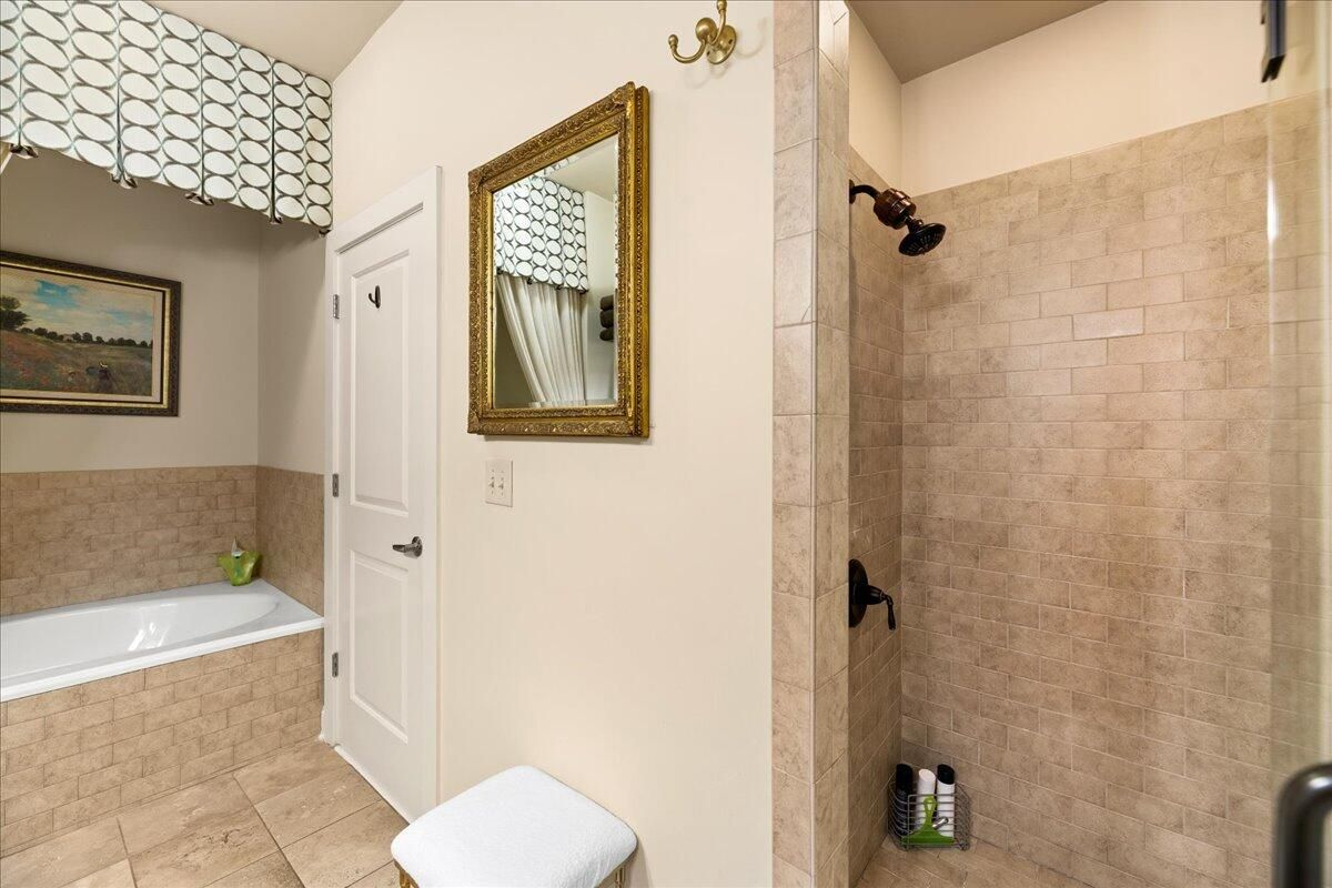29-445-W-Blount-Ave-Knoxville-TN-Unit-21