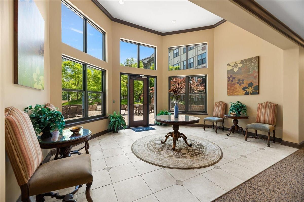 38-445-W-Blount-Ave-Knoxville-TN-Unit-21
