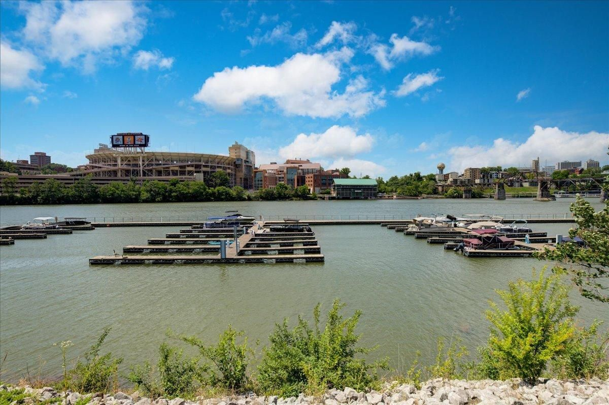 42-445-W-Blount-Ave-Knoxville-TN-Unit-21