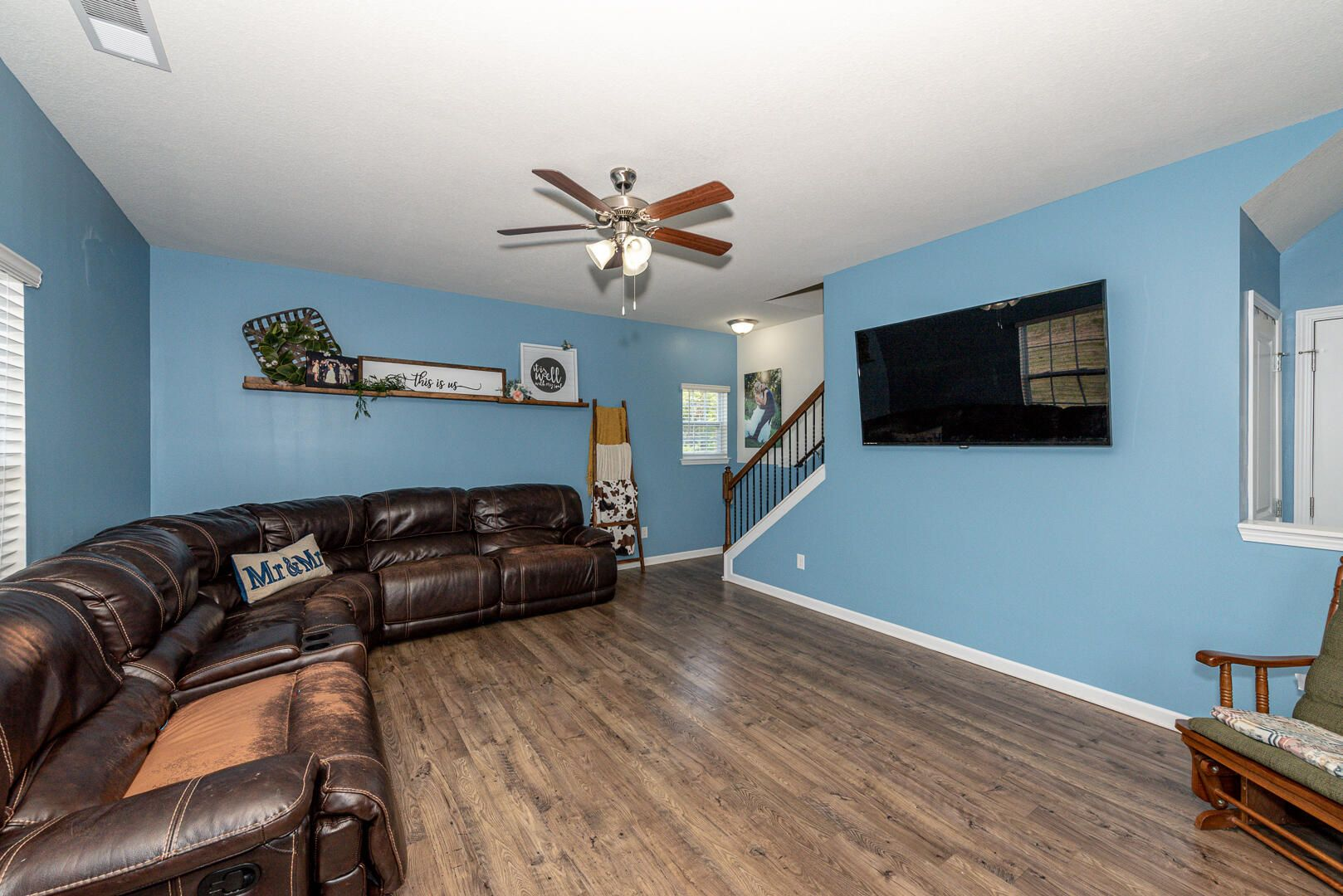 Family room w stairs to 2nd level