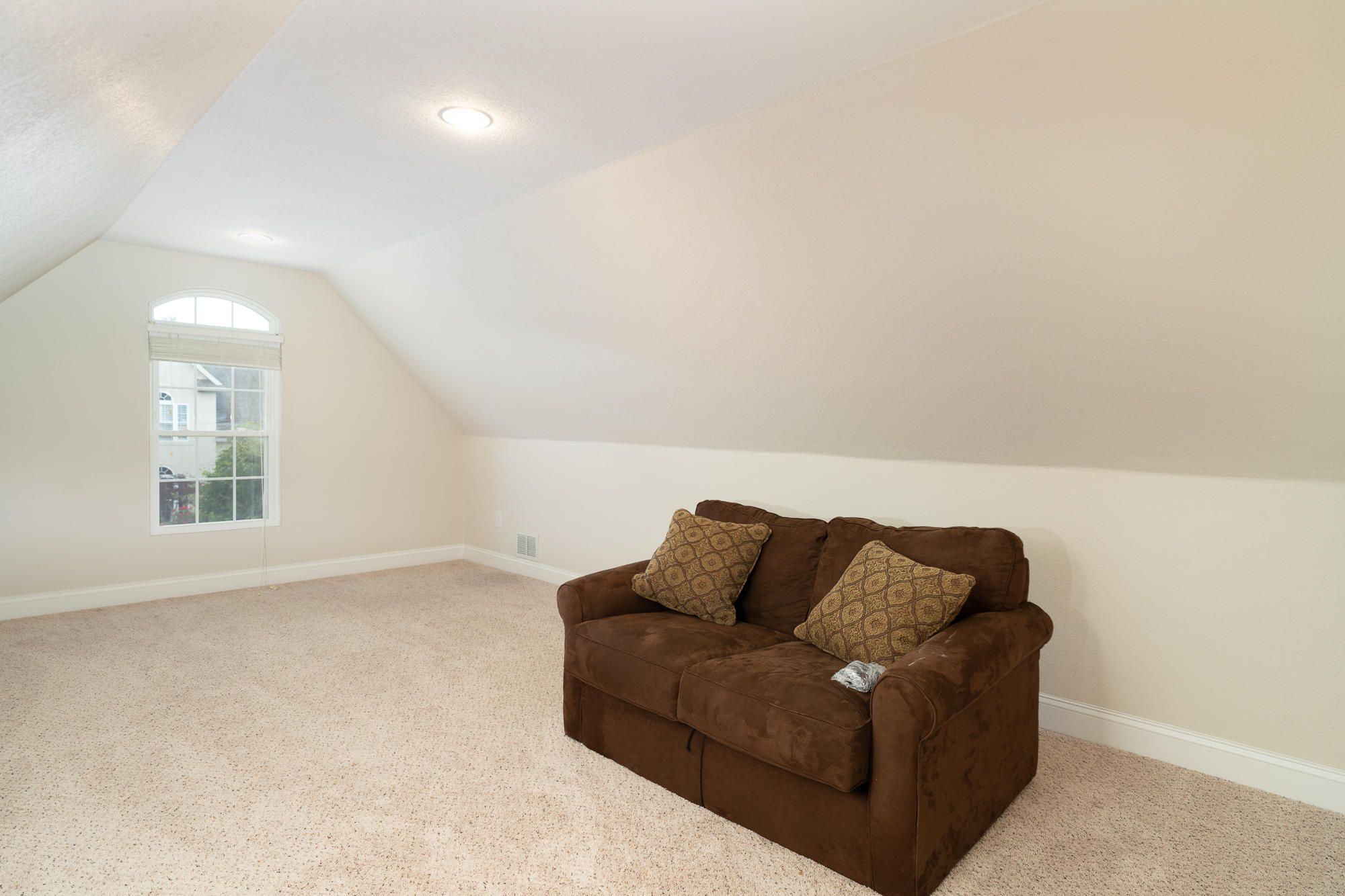 Second Floor Area & Large Closet