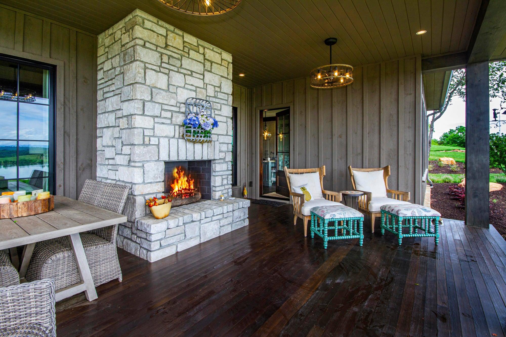 Wood burning fireplace o deck