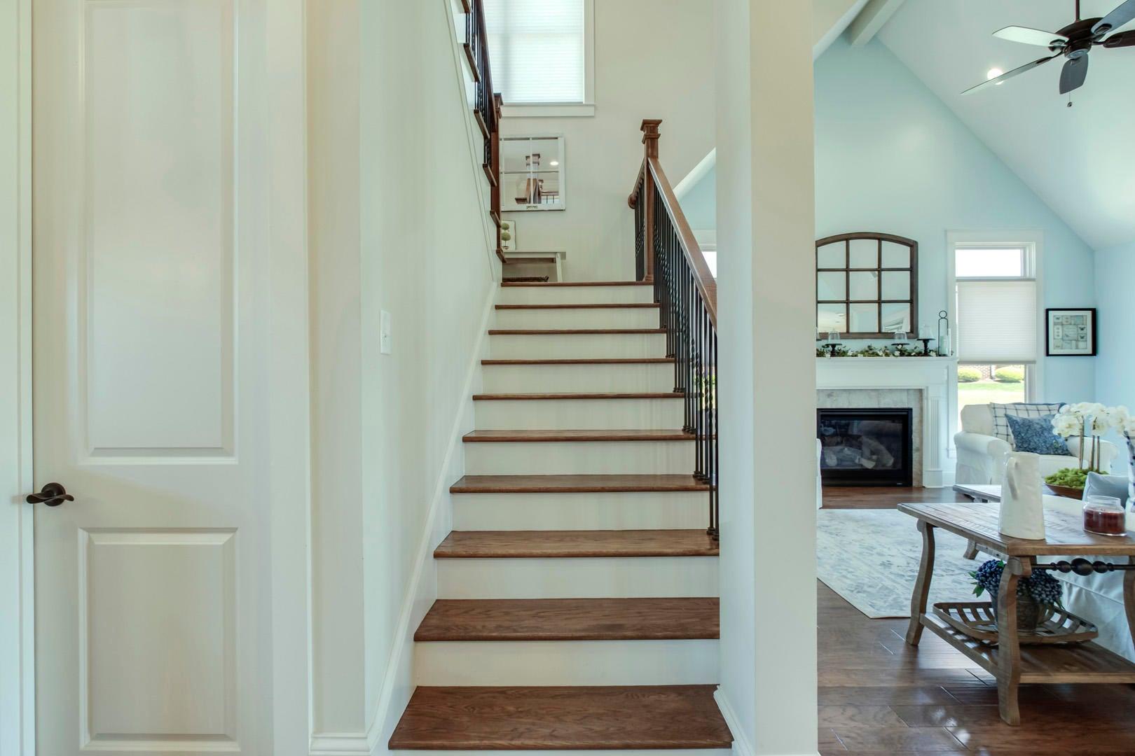 25_BuckhornWay_497_StairsUp