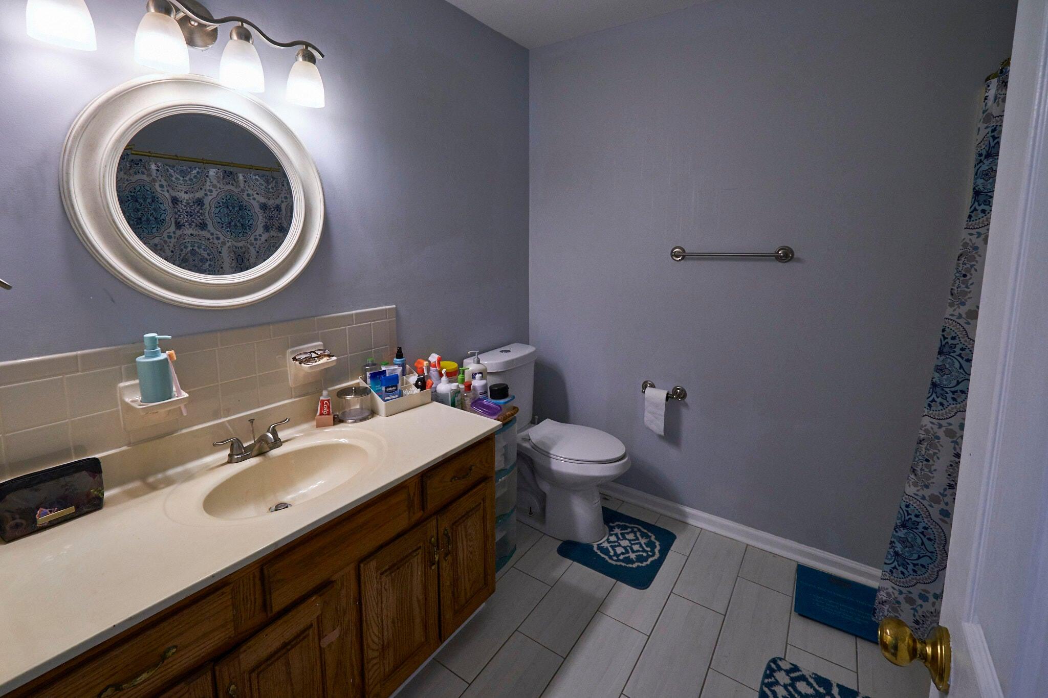 Bath 3 adjoins bedroom 4