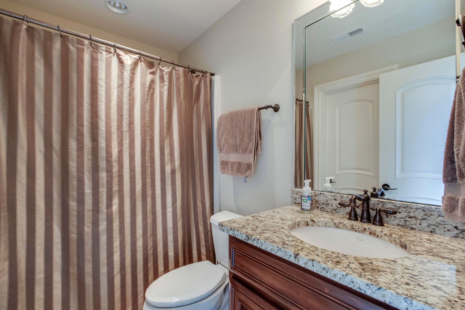 26_SouthernWay_438_GuestBath1