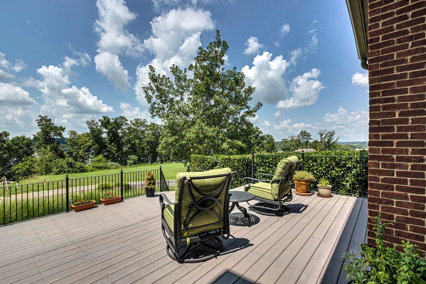 35_SouthernWay_438_Deck01