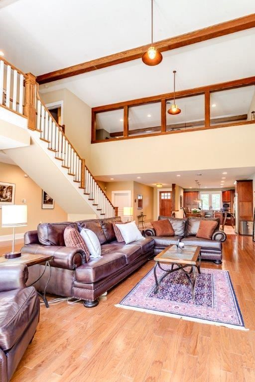 2 story ceiling