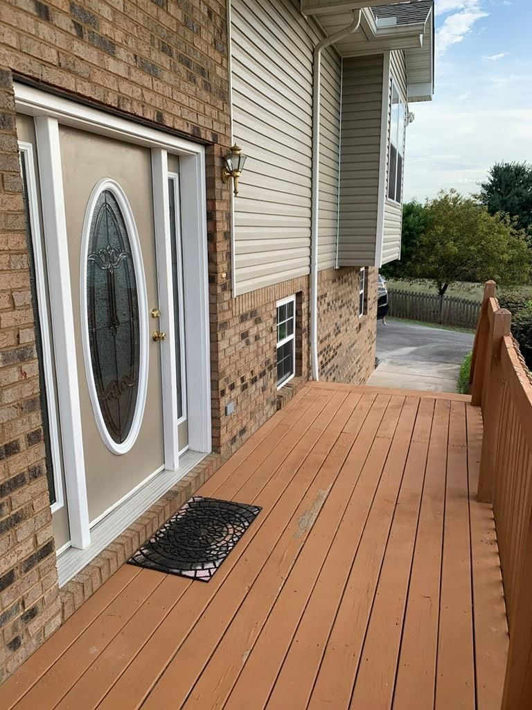 1722 - front porch