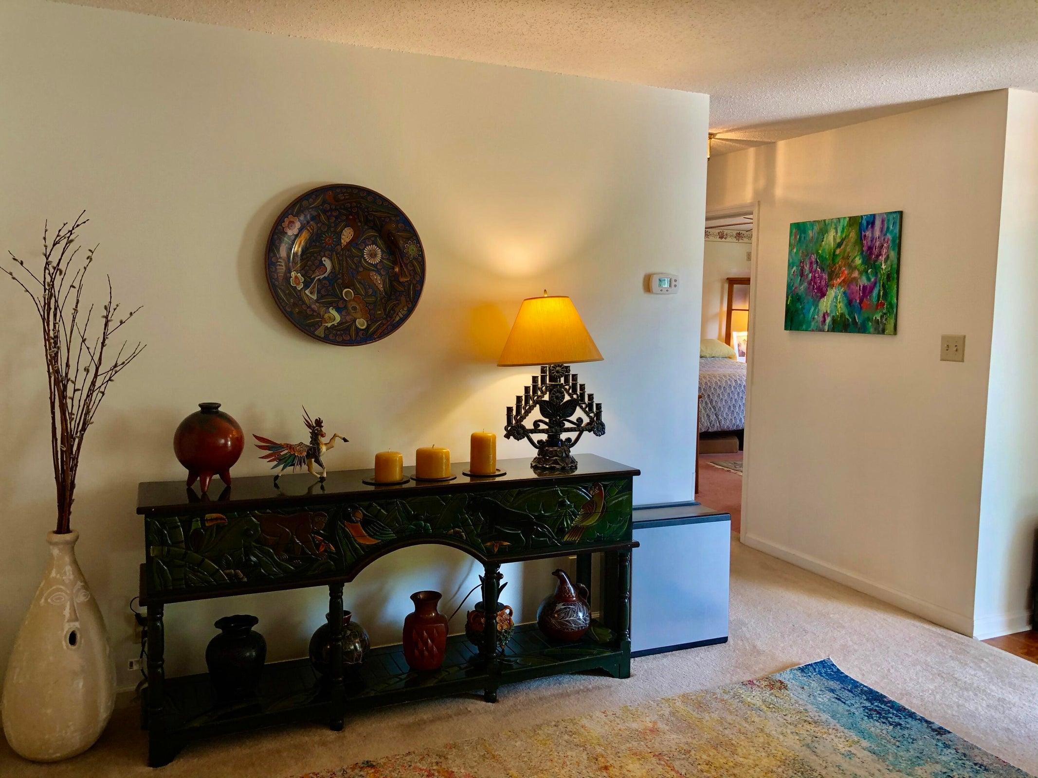 LivingRoom_Foyer