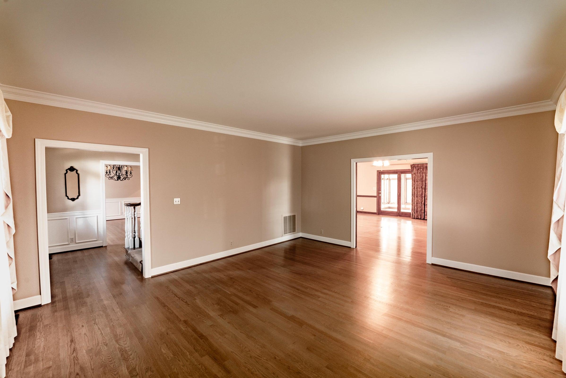 Formal living room, Parlor