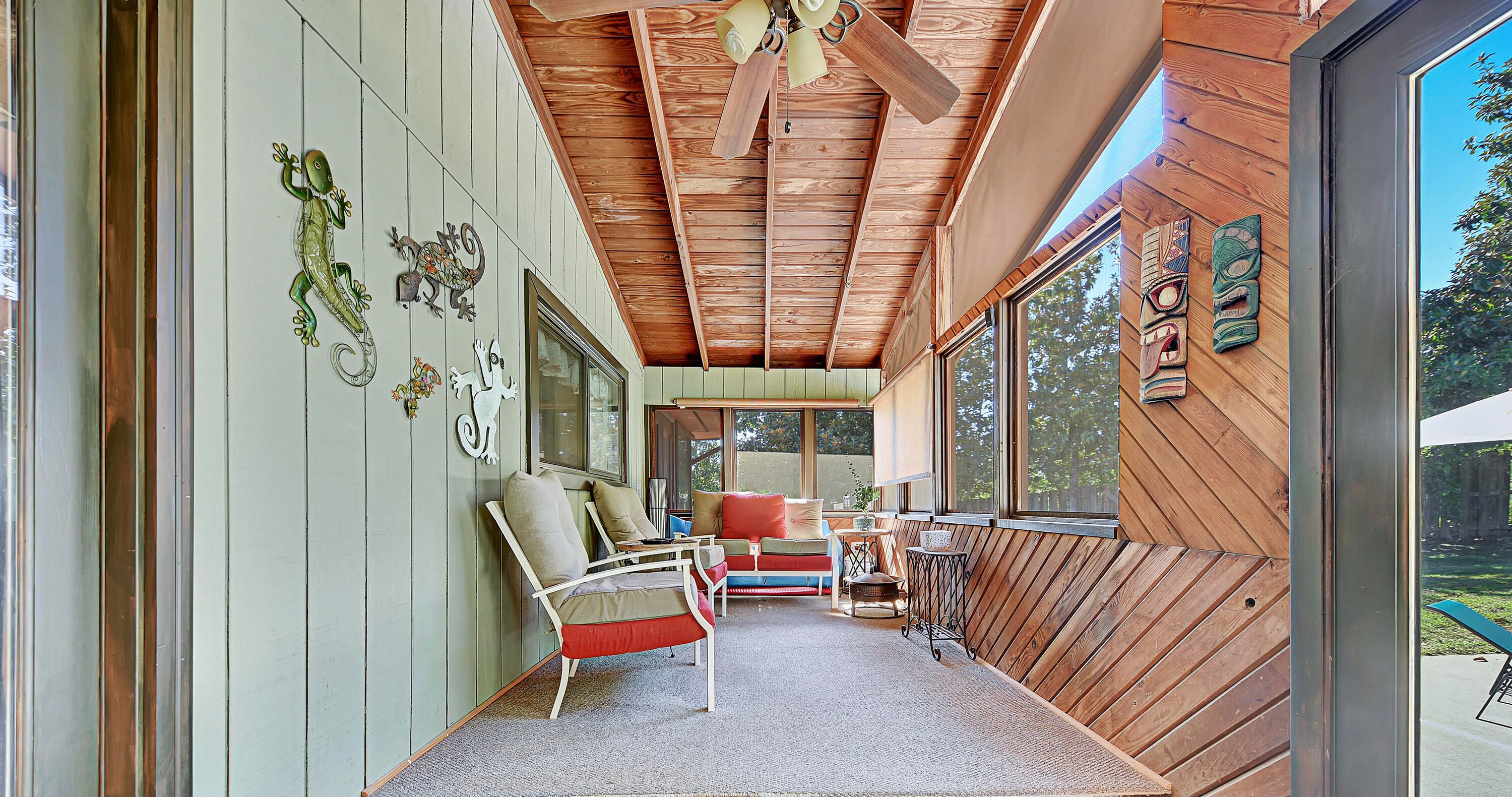 SCREENED IN PORCH OFF OF KITCHEN