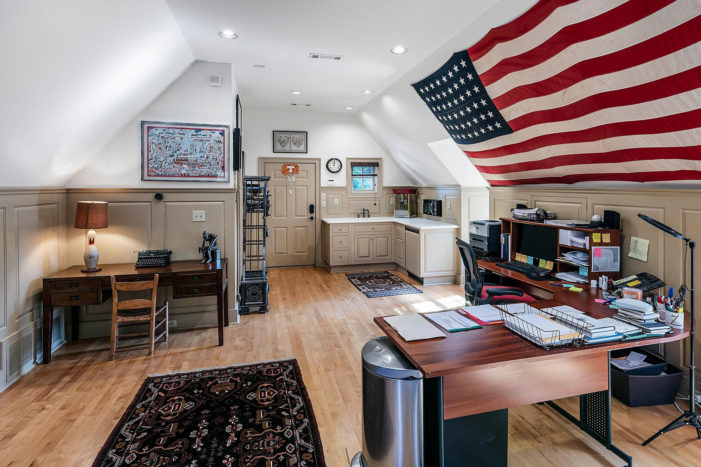 guest suite or office over garage