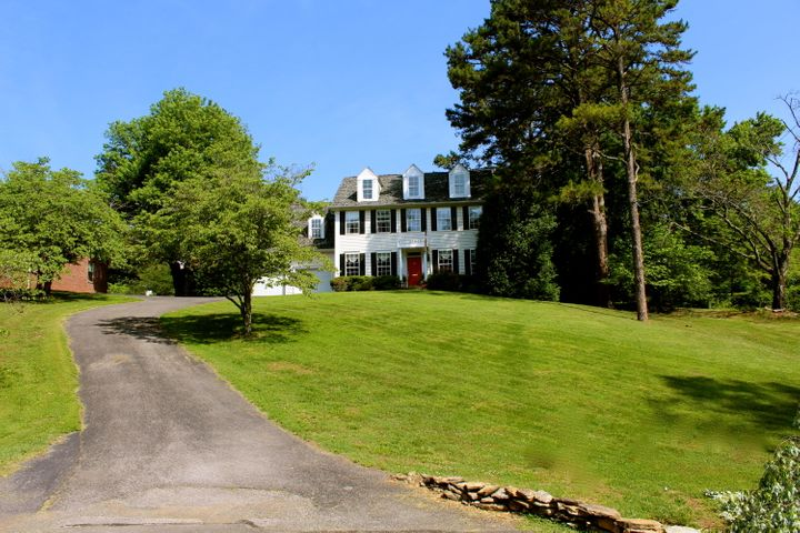 Southern Living Charmer in the heart of historic Holston Hills!