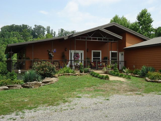 197 Happy Hollow Rd, Madisonville, TN 37354
