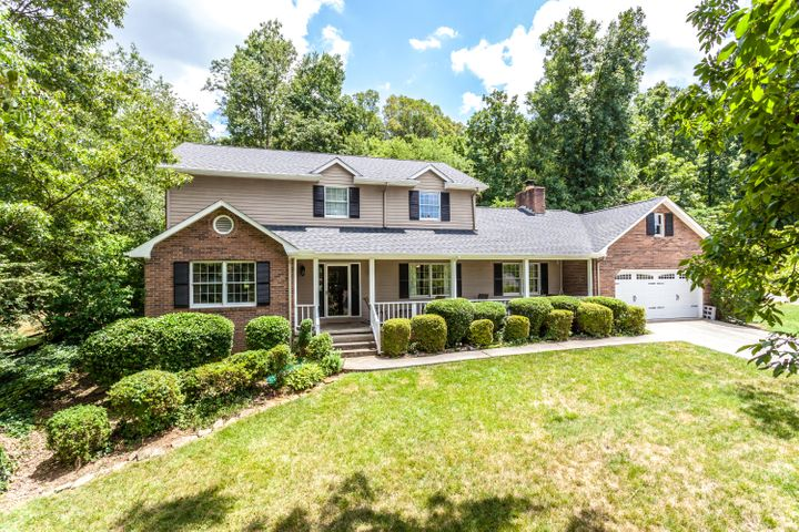 312 Woodland Trace Drive, Knoxville, TN 37934
