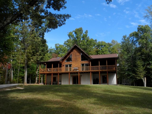 Beautifully situated on 5.3 Acres overlooking Norris Lake