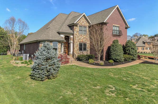637 Stone Villa Lane, Knoxville, TN 37934
