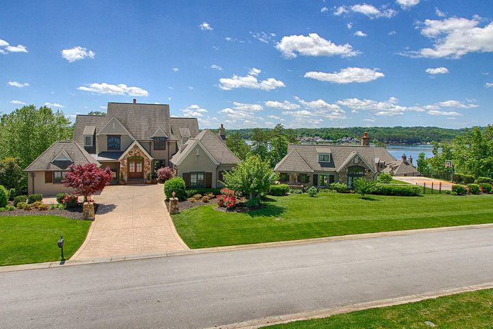 15855 Lighthouse Pointe Drive, Lenoir City, TN 37772
