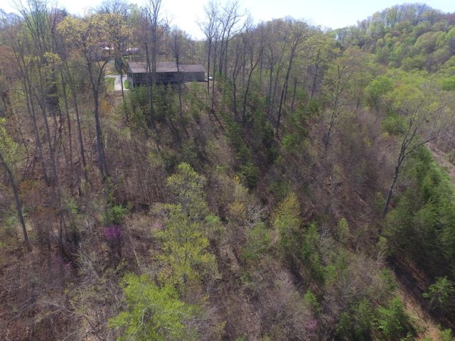 571 Mountain Shores Rd, New Tazewell, TN 37825