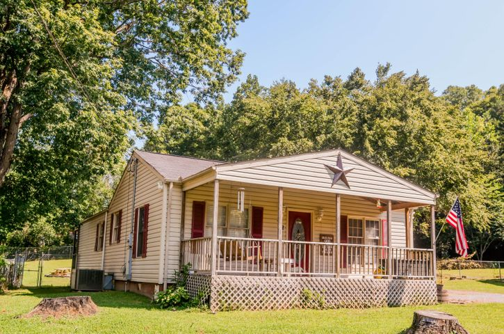 302 Ridgeview Drive, Oliver Springs, TN 37840