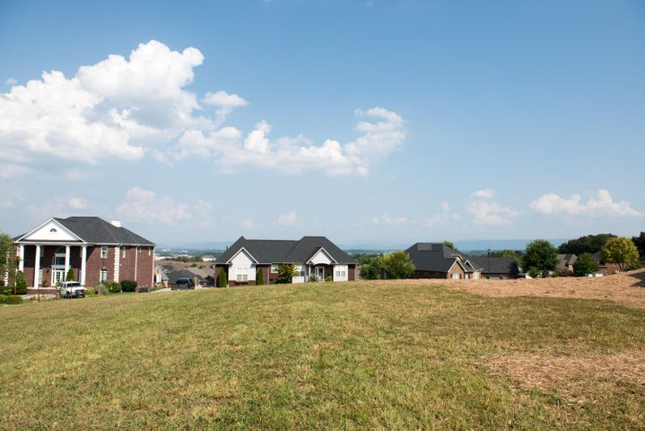 Build your dream home in The Highlands!