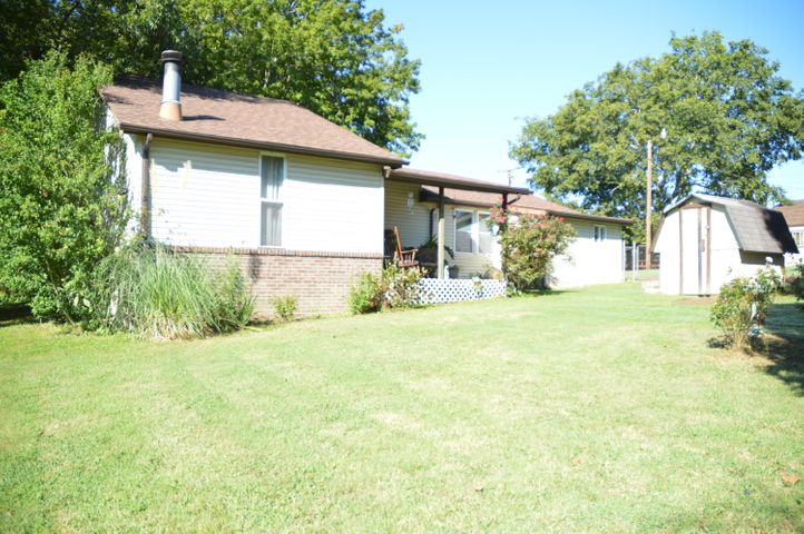 1711 Haire Rd, Dandridge, TN 37725