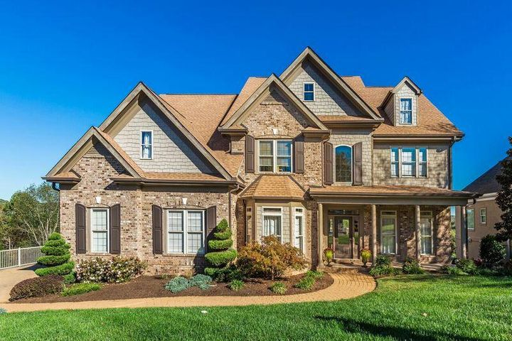 9024 Legends Lake Lane, Knoxville, TN 37922