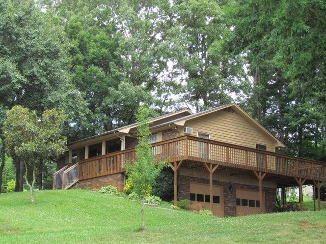 1081 Chestnut Ridge, Lenoir City, TN 37771