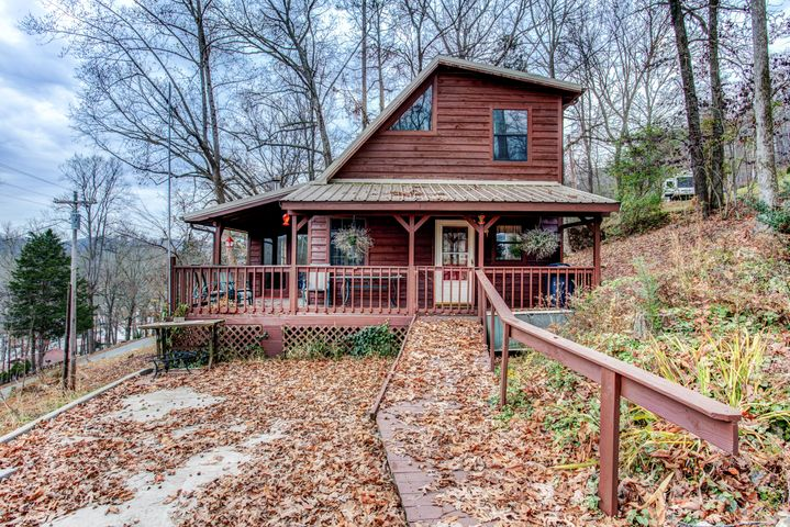 131 Phoenix Lane, Speedwell, TN 37870