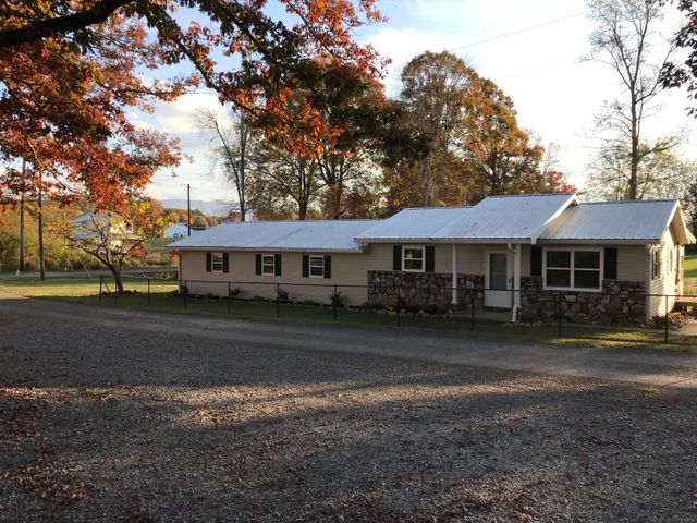 3017 Orchard Rd Off Rd, Dandridge, TN 37725