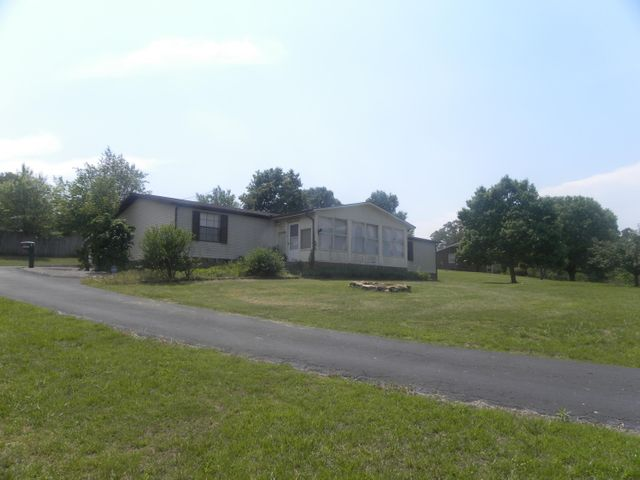 2525 Cochran Rd, New Market, TN 37820