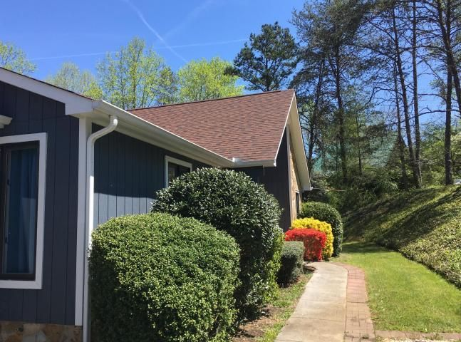 260 E Leatherwood Drive, Walland, TN 37886