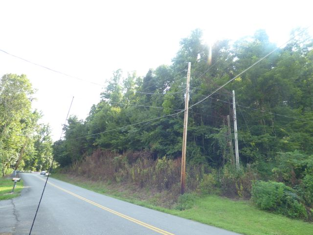 Dutch Valley Rd, Clinton, TN 37716