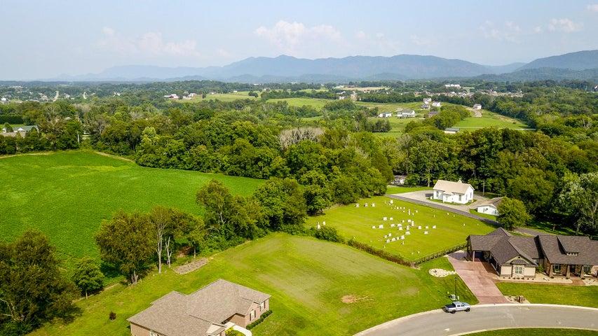 3315 Old Plantation Way, Maryville, TN 37804