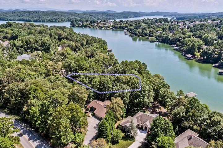 304 Tanasi Point, Loudon, TN 37774