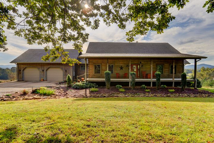 313 Dunn Rd, Tellico Plains, TN 37385
