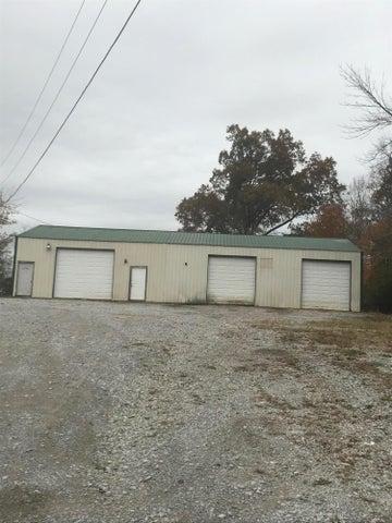 1021 E First St, Crossville, TN 38555