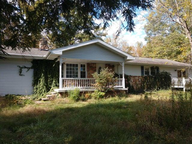 746 Dunbar Rd, Crossville, TN 38572
