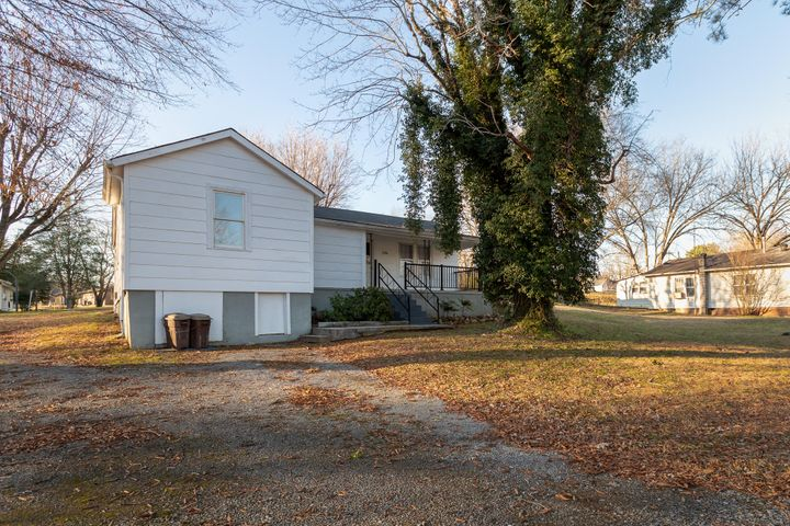 1016 Indiana Ave, Etowah, TN 37331