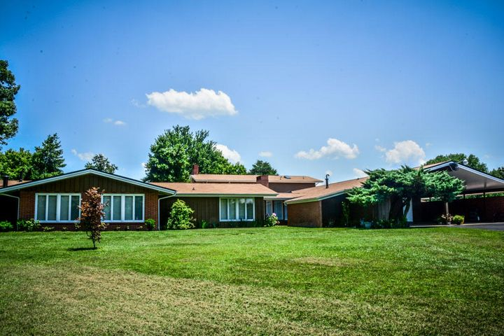 345 Woolsey Rd, Harriman, TN 37748